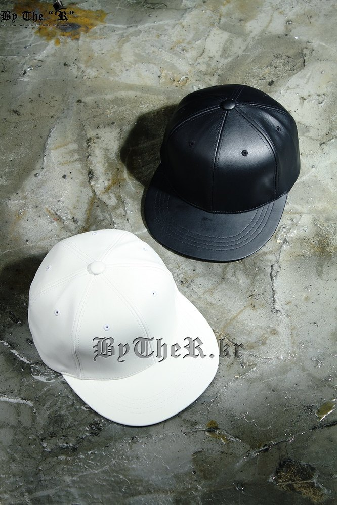 ByTheR 6-Panel Leather Snapback