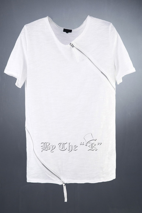 Diagonal zipper Detailed T-Shirts