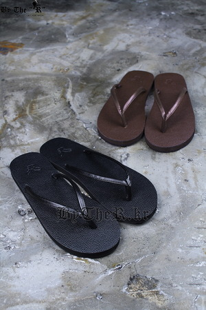 Modern Trendy Faux Leather Eagle Flip-Flop Slipper Sandals