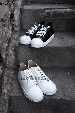 Mono Canvas Low Sneakers