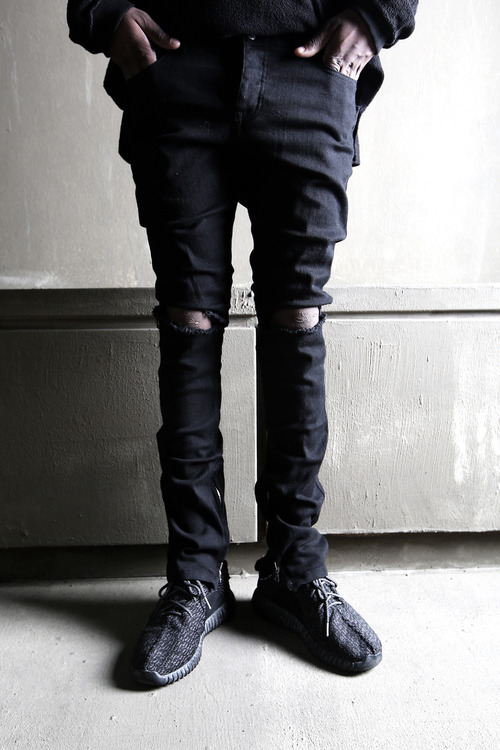 Inner Ankle Zip Line Black Denim Color Knee Ripped Skinny Jeans