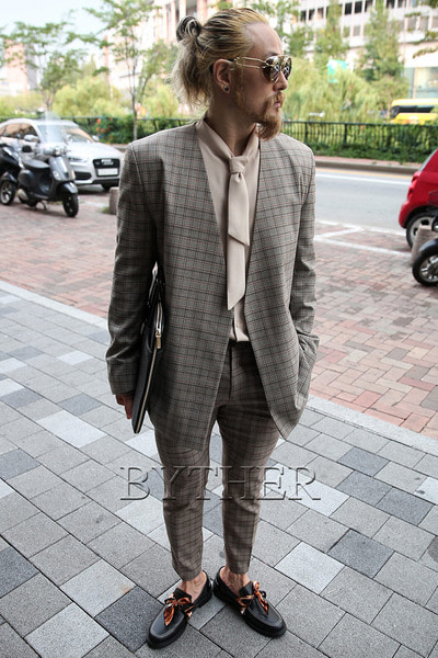 Modern Brown Check Blazer