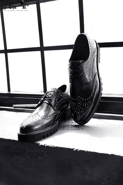 Studded Wingtip Shoes