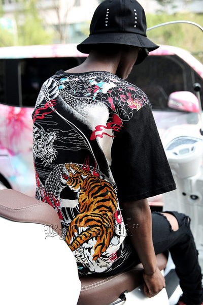 Tiger & Dragon Oriental Irezumi T-shirt