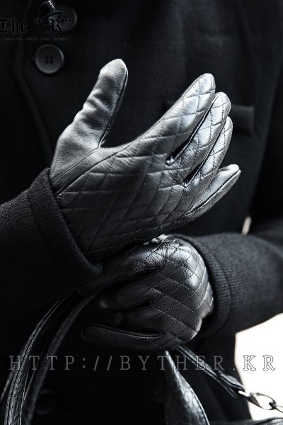 ByTheR Quilted Touchscreen Gloves