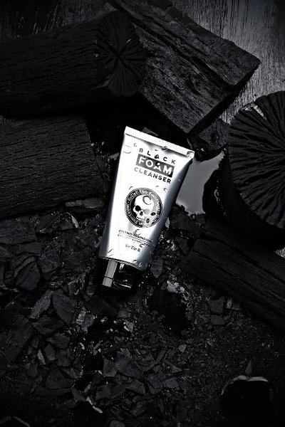 ByTheR Black Foam Cleanser