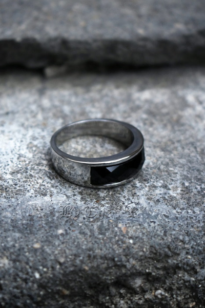 Black Square Gemstone Round Ring
